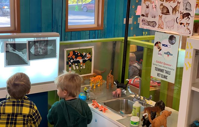 Kids at the Jackson Hole Children's Museum in Wyoming Play Create Fun Learn